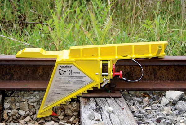 SaberTooth® Portable Derail with sign, Right Throw - 4014-07-S