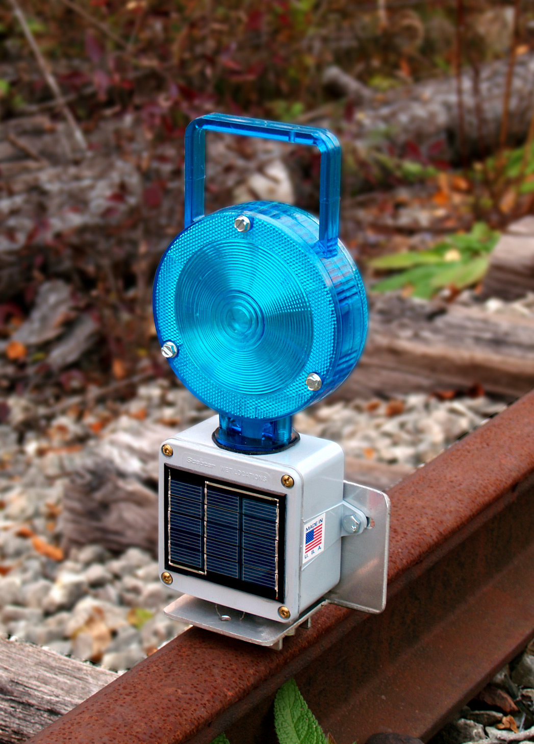 Aldon railroad solar powered magnetic base blue flashing light