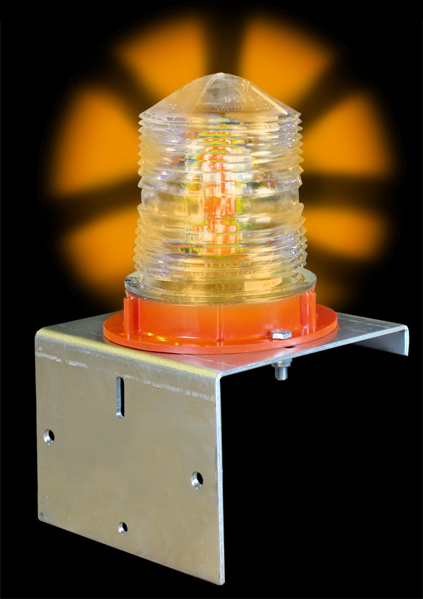 Aldon railroad flashing amber yellow SOLAR light with bolt-on bracket