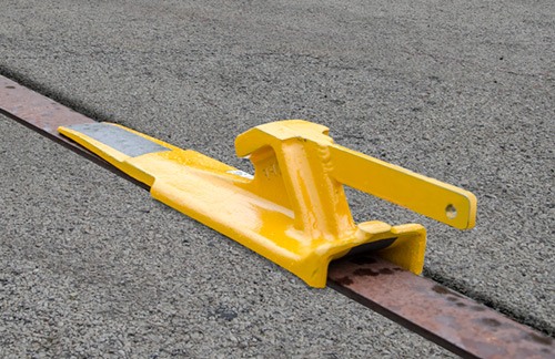 Locomotive Chocking Skid (Flush Rail, Left) - 4016-09-L