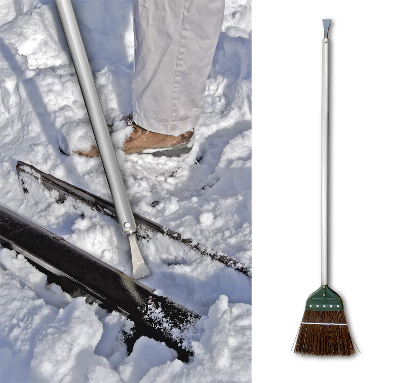 """Ice Breaker"" Aluminum Track and Switch Broom"
